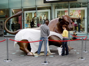 Bull Statue Birmingham Colin Crosby Heritage Tours