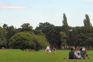[An image showing Victoria Park]